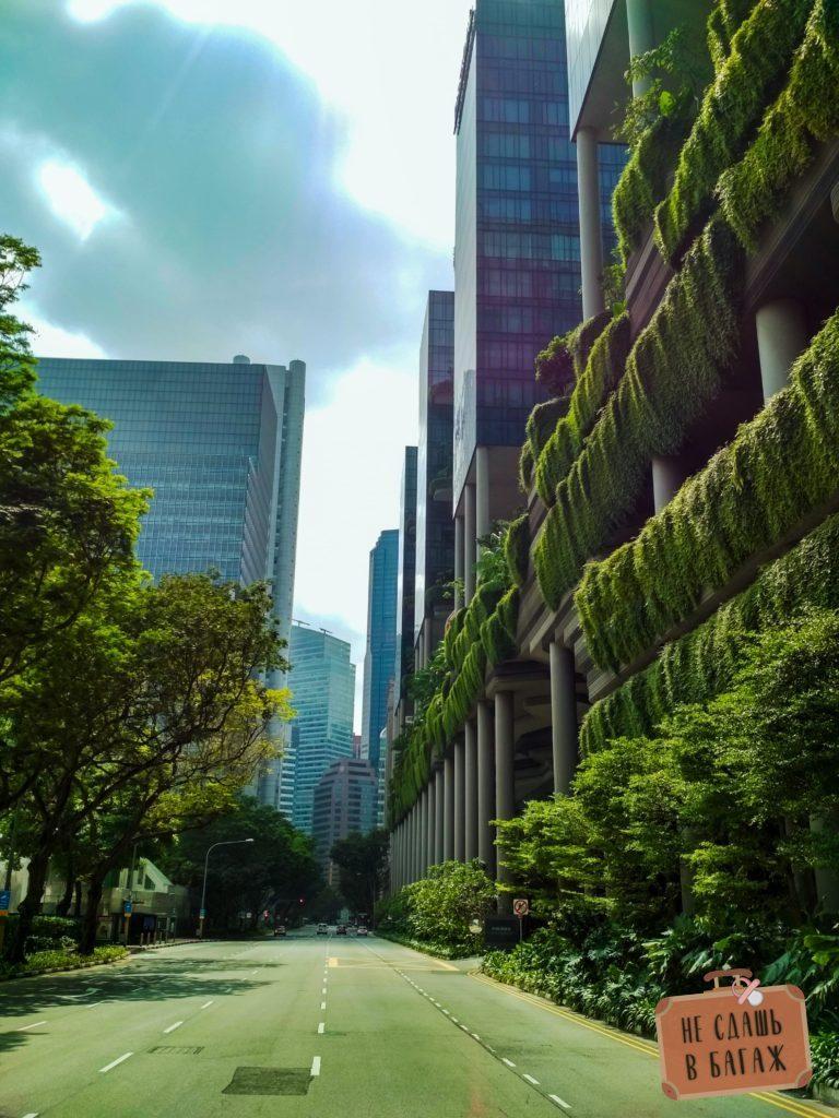 Небоскреб с висячими садами в Сингапуре
