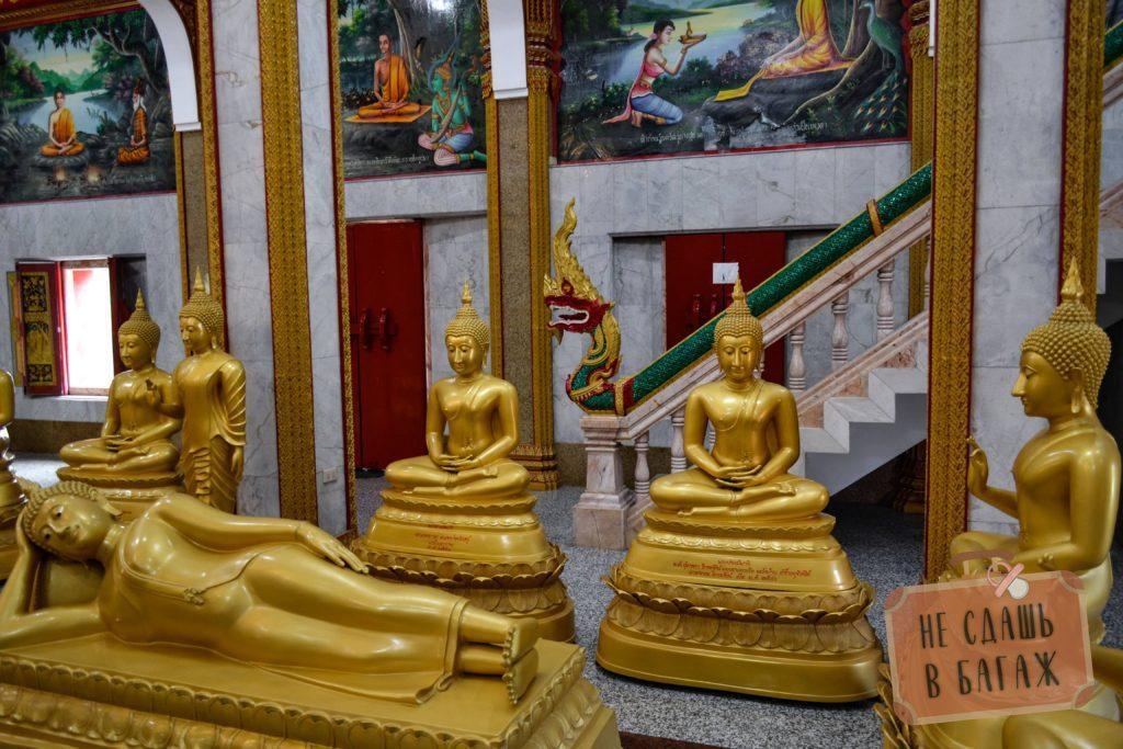 И конечно, множество фигур Будды и на стенах сцены из жизни