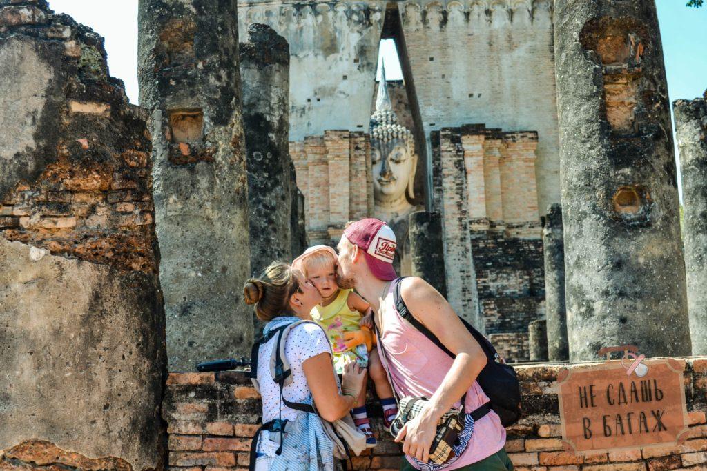 Ват Си Чум - самое запоминающееся место в Сукхотае
