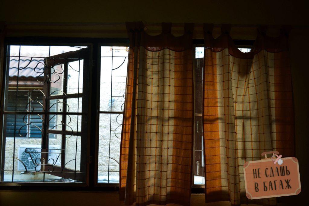 Вид из окон в нашей комнате геста kreccer camp