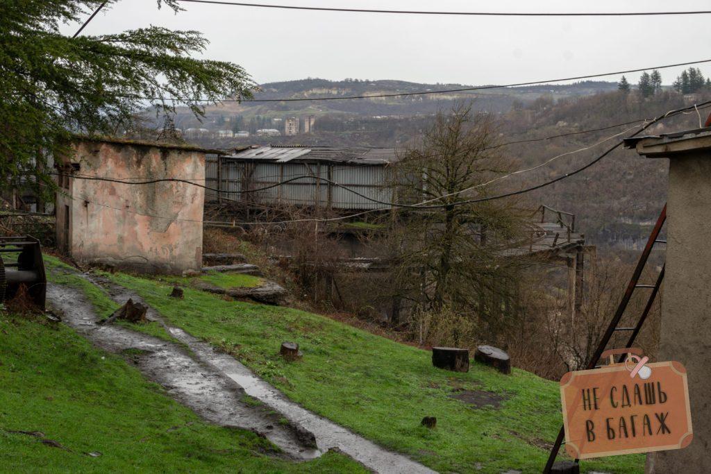 Железная дорога к рудникам на сваях
