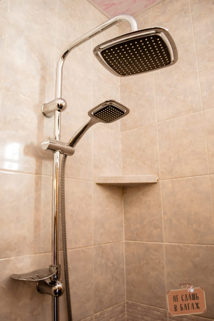 Новый душ в гестхаусе в Казбеги