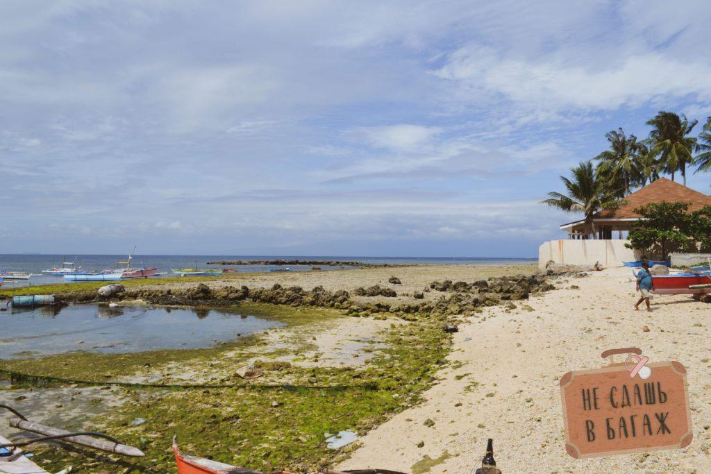 Пляжи на Сикихоре часто красивые, но некупабельные