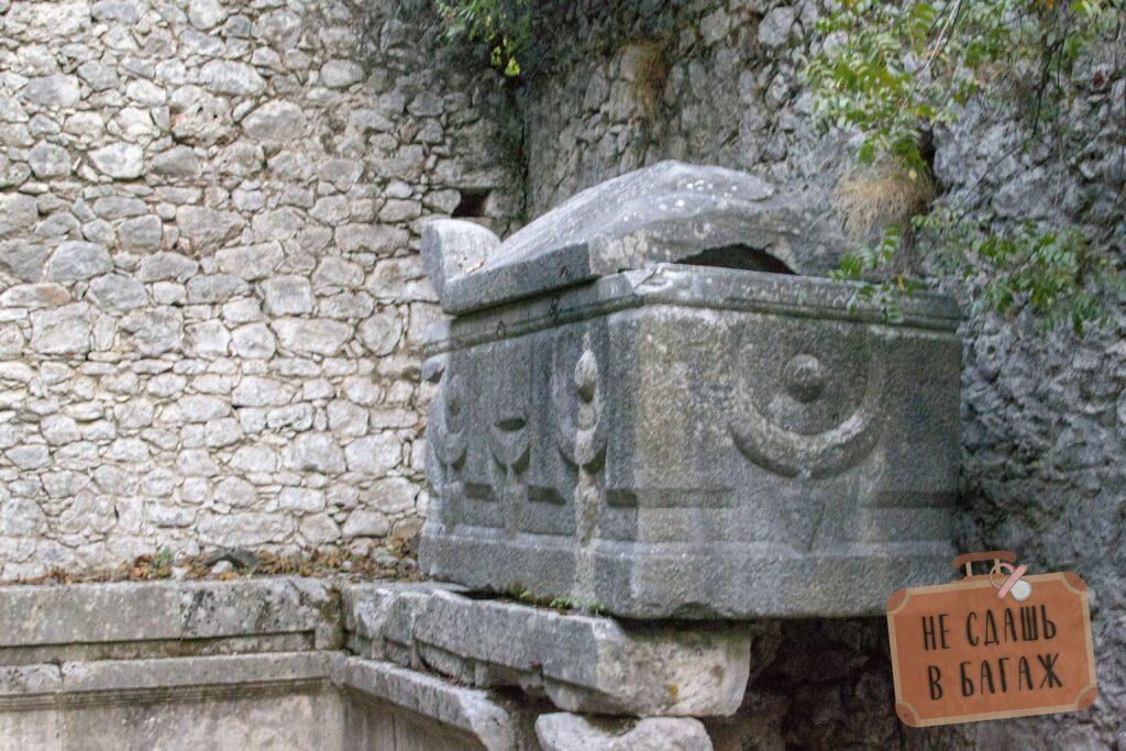 likiyskie grobniwi v ierapolise